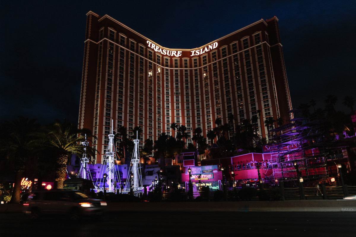 Treasure Island Las Vegas Hotel Room Upgrades Amp Discounts